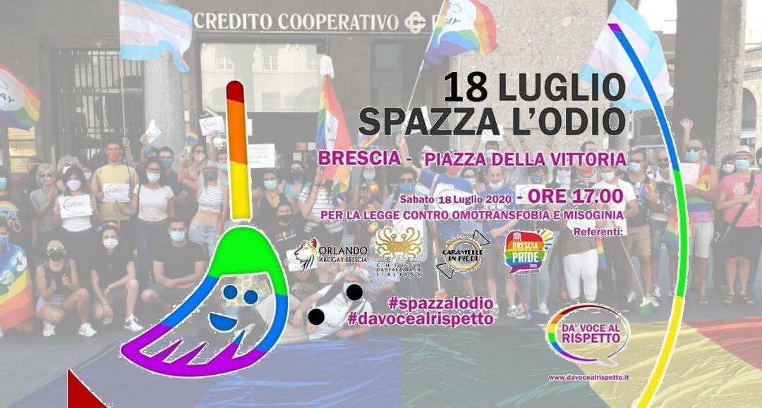 La piazza di Brescia spazza l'odio