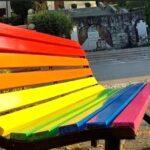 Panchina arcobaleno